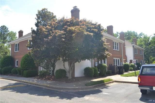 118 E Bristol Ln, York County, VA 23693 (#10386842) :: Berkshire Hathaway HomeServices Towne Realty