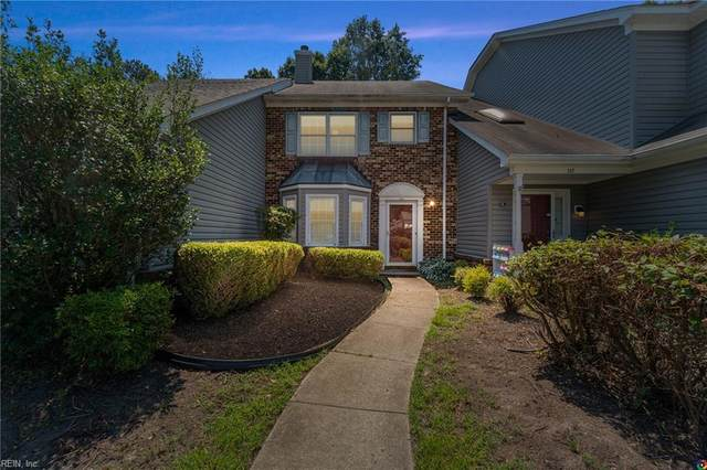 135 Three Notched Rd, York County, VA 23692 (#10388058) :: Berkshire Hathaway HomeServices Towne Realty