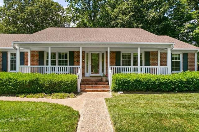 201 Lake Dale Way, York County, VA 23693 (#10388097) :: Momentum Real Estate