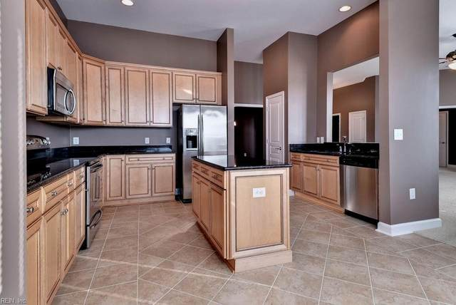 670 Town Center Dr #412, Newport News, VA 23606 (#10388216) :: Berkshire Hathaway HomeServices Towne Realty