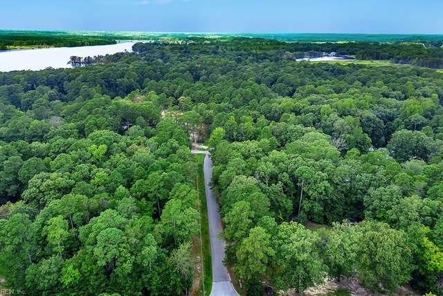 7614 White Oak Dr, James City County, VA 23089 (#10388667) :: Rocket Real Estate
