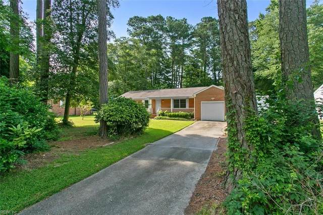 212 Wildwood Dr, York County, VA 23692 (#10388798) :: Berkshire Hathaway HomeServices Towne Realty