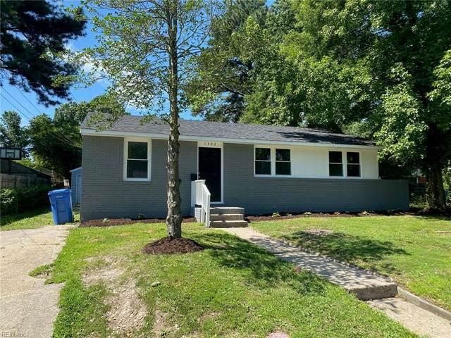 1302 Cleona Dr, Chesapeake, VA 23324 (#10389537) :: The Kris Weaver Real Estate Team