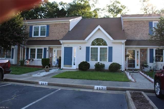 207 Crestwood Ct, York County, VA 23692 (#10389668) :: Crescas Real Estate