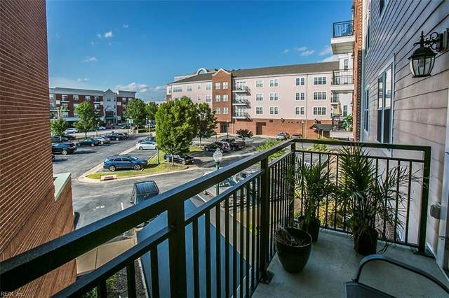 670 Town Center Dr #211, Newport News, VA 23606 (#10390662) :: Berkshire Hathaway HomeServices Towne Realty
