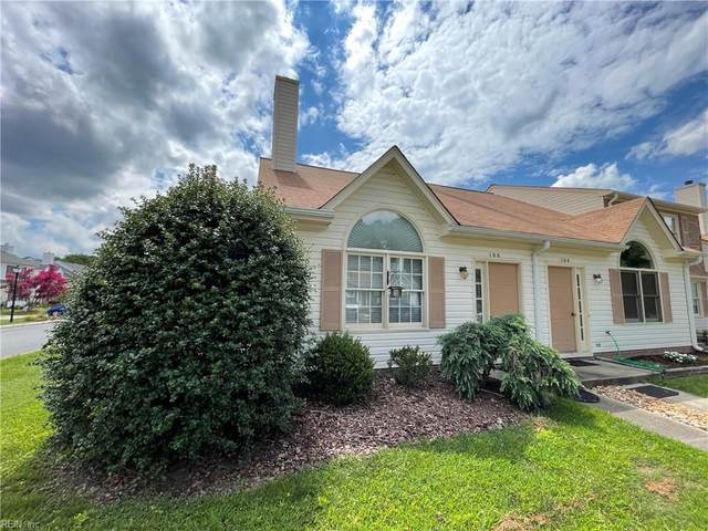 106 Crestwood Ct, York County, VA 23692 (#10390683) :: Crescas Real Estate