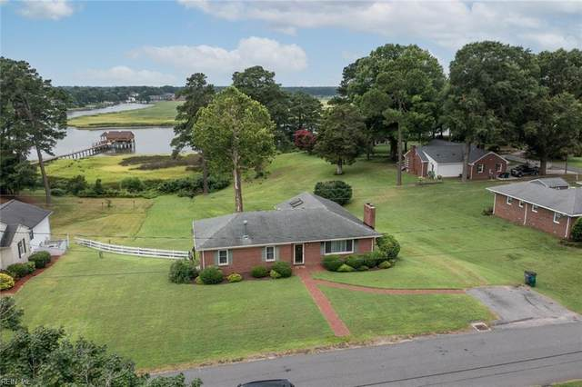 205 Red Point Dr, Isle of Wight County, VA 23430 (#10390832) :: Kristie Weaver, REALTOR