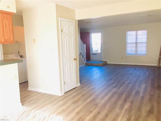 933 Spinnaker Ct, Chesapeake, VA 23320 (MLS #10391241) :: Howard Hanna Real Estate Services