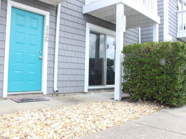 1126 Indian Rd, Virginia Beach, VA 23451 (#10391430) :: The Bell Tower Real Estate Team