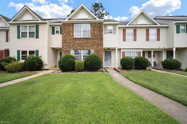 3404 Clover Meadows Dr, Chesapeake, VA 23321 (#10391432) :: Berkshire Hathaway HomeServices Towne Realty