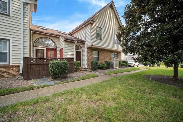 948 Saint Andrews Rch B, Chesapeake, VA 23320 (#10391640) :: Berkshire Hathaway HomeServices Towne Realty
