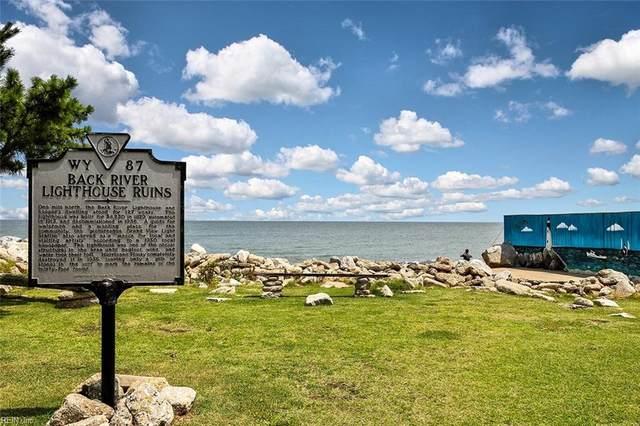 17 Lighthouse Drive, Hampton, VA 23664 (#10391814) :: Atlantic Sotheby's International Realty