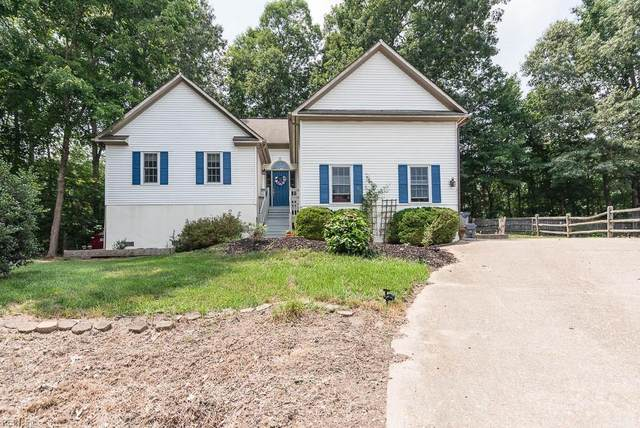 3826 Fox Holw, James City County, VA 23188 (#10391985) :: Rocket Real Estate