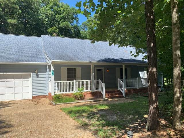 208 Red Oak Ct, Isle of Wight County, VA 23430 (#10399921) :: Atkinson Realty