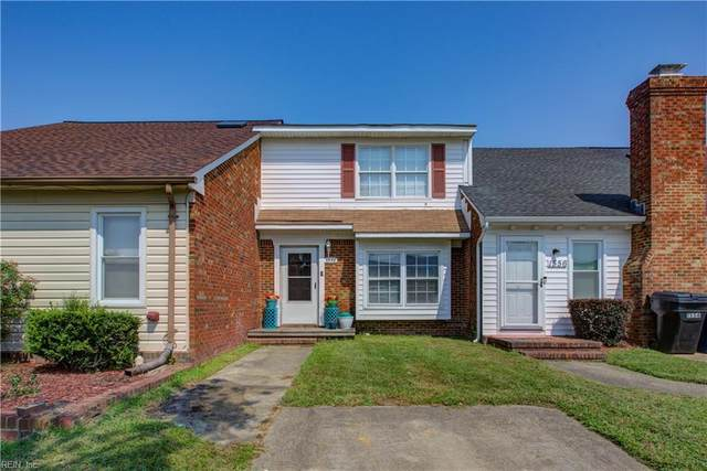 1558 Crescent Pointe Ln, Virginia Beach, VA 23453 (#10401536) :: The Kris Weaver Real Estate Team