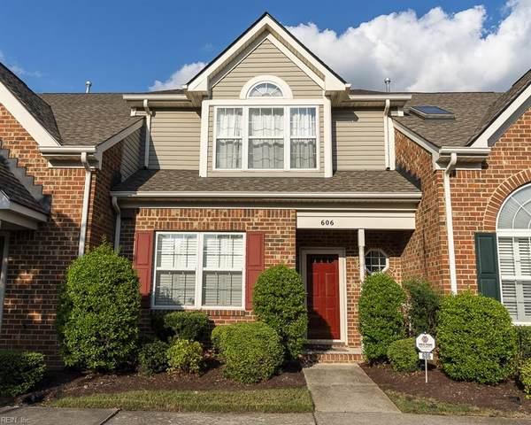 606 W Lake Cir, Chesapeake, VA 23322 (#10401749) :: Rocket Real Estate