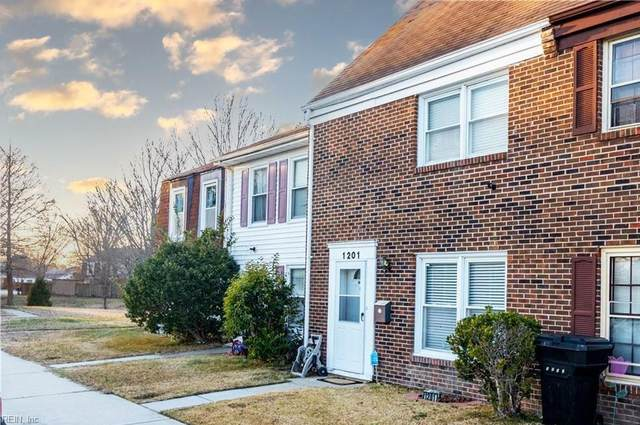 1201 White Birch Ln, Virginia Beach, VA 23453 (#10402463) :: Berkshire Hathaway HomeServices Towne Realty