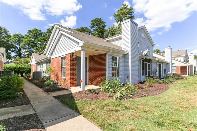 1421 Orchard Grove Dr, Chesapeake, VA 23320 (#10402833) :: Berkshire Hathaway HomeServices Towne Realty