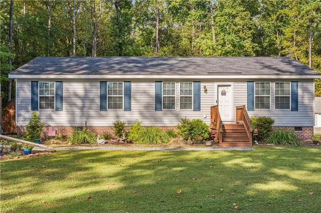3226 Poplar Dr, Isle of Wight County, VA 23430 (#10405214) :: Berkshire Hathaway HomeServices Towne Realty