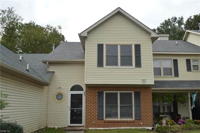 203 Burman Wood Dr, Hampton, VA 23666 (#10405699) :: Berkshire Hathaway HomeServices Towne Realty