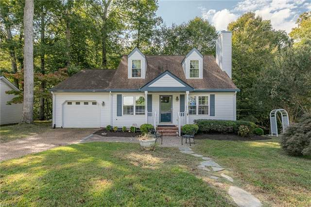 909 Colonial Ave, York County, VA 23185 (#10405832) :: Berkshire Hathaway HomeServices Towne Realty