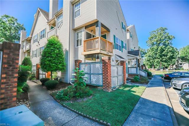 12829 Daybreak Cir, Newport News, VA 23602 (#10407144) :: The Kris Weaver Real Estate Team