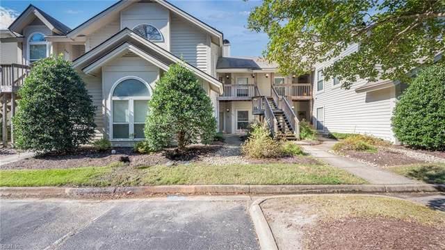 451 East Lake Cir, Chesapeake, VA 23322 (#10407488) :: Momentum Real Estate