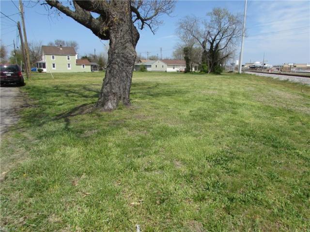 208 Parkdale Ave, Hampton, VA 23669 (#10187262) :: Vasquez Real Estate Group