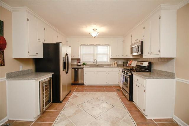 1135 Dahlia Ln, Hampton, VA 23663 (#10218180) :: Berkshire Hathaway HomeServices Towne Realty