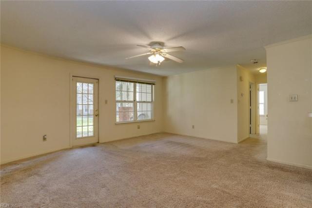 109 Stratford Dr C, York County, VA 23185 (#10242819) :: The Kris Weaver Real Estate Team