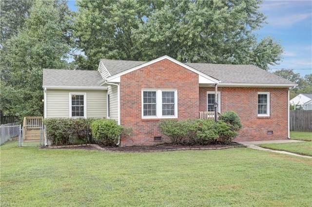 704 Sedgefield Dr, Newport News, VA 23601 (MLS #10281680) :: Chantel Ray Real Estate