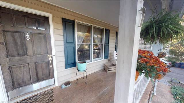 107 Pleasant Pt, James City County, VA 23188 (MLS #10284819) :: Chantel Ray Real Estate