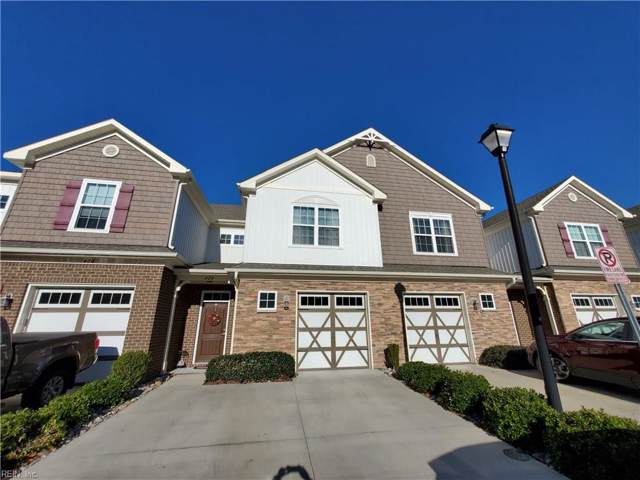 424 Autumn Green Ln, Chesapeake, VA 23320 (MLS #10297297) :: Chantel Ray Real Estate