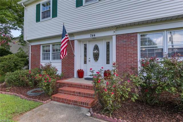 744 Queen Elizabeth Dr, Virginia Beach, VA 23452 (MLS #10298551) :: Chantel Ray Real Estate