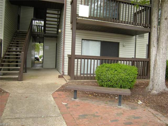 142 Haverford Ct #2, Hampton, VA 23666 (#10303998) :: Berkshire Hathaway HomeServices Towne Realty