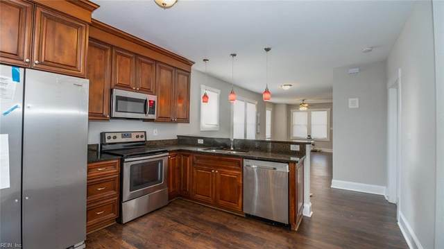 3919 Deep Creek Blvd, Portsmouth, VA 23702 (#10306234) :: Kristie Weaver, REALTOR