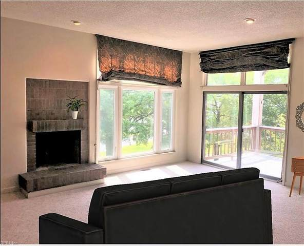 696 Mowbray Arch #840, Norfolk, VA 23507 (MLS #10309245) :: AtCoastal Realty
