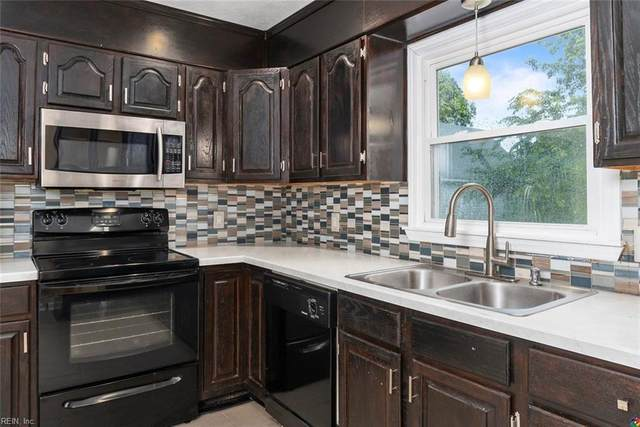 36 Old Fox Hill Rd, Hampton, VA 23669 (#10322113) :: Upscale Avenues Realty Group