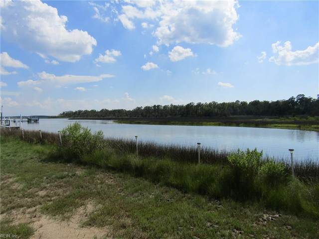 302 York Point Rd, York County, VA 23696 (#10333047) :: Abbitt Realty Co.