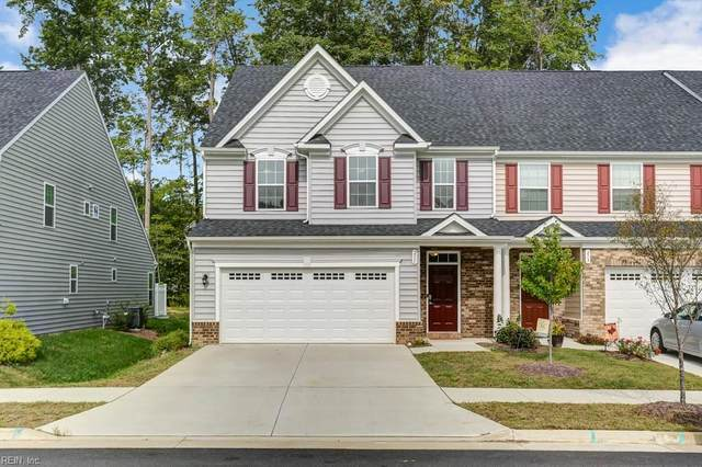 211 Fletchers Cres, York County, VA 23185 (#10342432) :: Encompass Real Estate Solutions