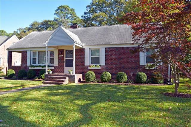 8820 Commodore Dr, Norfolk, VA 23503 (#10348576) :: Kristie Weaver, REALTOR