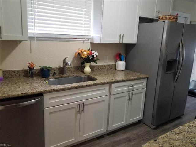 322 Deal Dr, Portsmouth, VA 23701 (#10350437) :: Berkshire Hathaway HomeServices Towne Realty