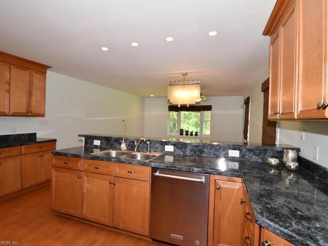 8240 Fernwood Dr, Norfolk, VA 23508 (#10350502) :: Rocket Real Estate