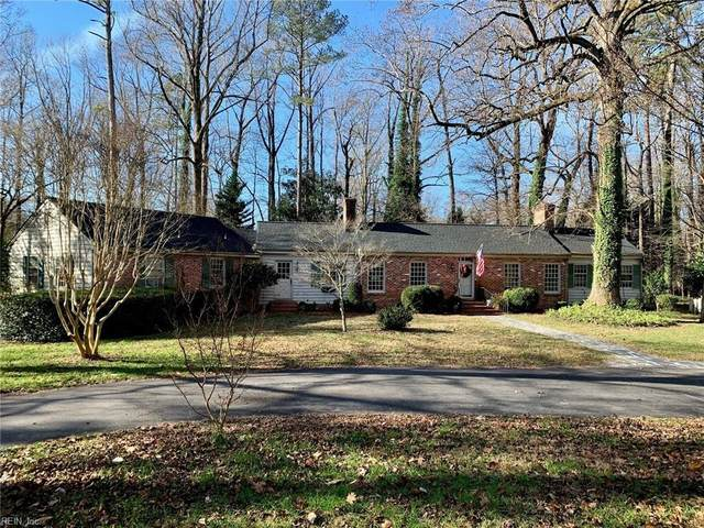 273 E Queens Dr, York County, VA 23185 (#10355589) :: Berkshire Hathaway HomeServices Towne Realty