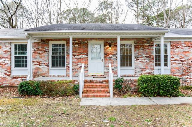 215 Harwood Dr, York County, VA 23692 (#10363384) :: Berkshire Hathaway HomeServices Towne Realty