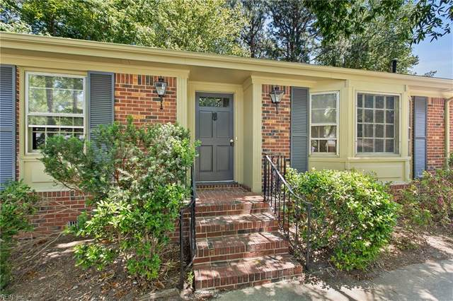 3209 Barksdale Dr, Chesapeake, VA 23321 (#10377555) :: The Kris Weaver Real Estate Team