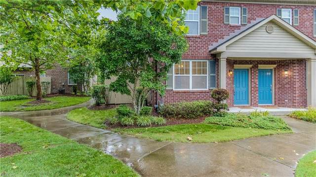 327 Holyoke Ln, Chesapeake, VA 23320 (#10387310) :: Avalon Real Estate