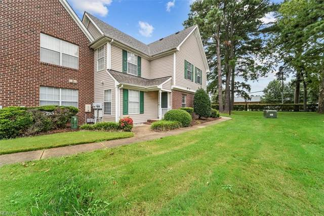2406 Willow Point Arch, Chesapeake, VA 23320 (MLS #10393562) :: Howard Hanna Real Estate Services