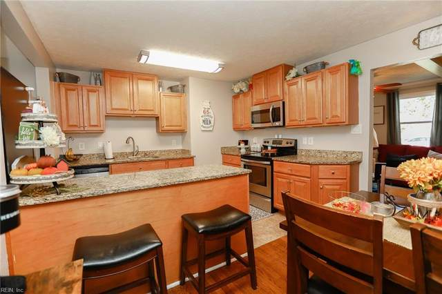 18 W Preston St, Hampton, VA 23669 (#10407870) :: The Kris Weaver Real Estate Team
