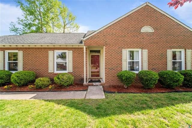 425 Lake Crest Dr, Chesapeake, VA 23323 (#10372533) :: Encompass Real Estate Solutions